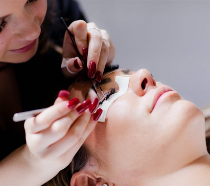 AWAY-spa-LASH-london